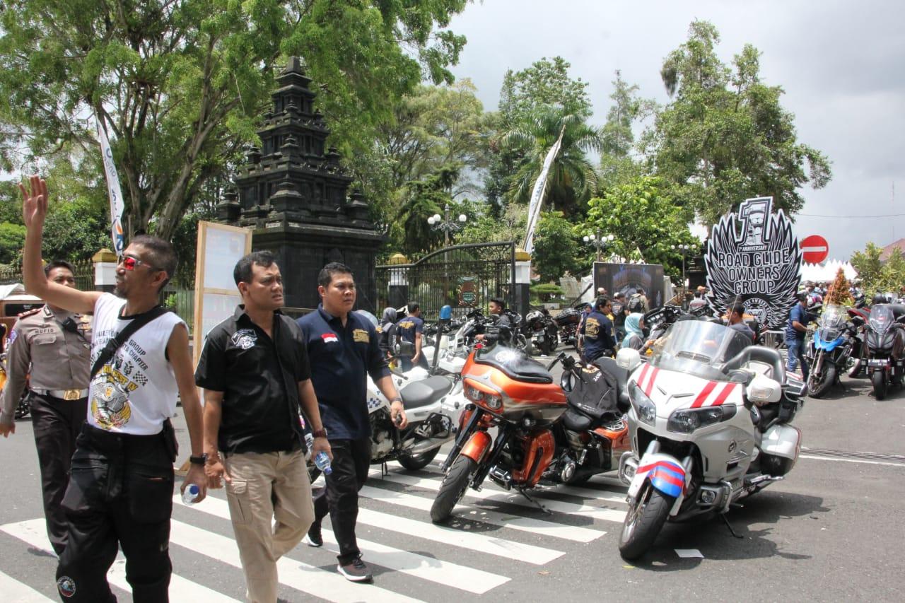 Motor Besar Ramaikan Alun Alun Wonosobo Tribrata News Jawa Tengah